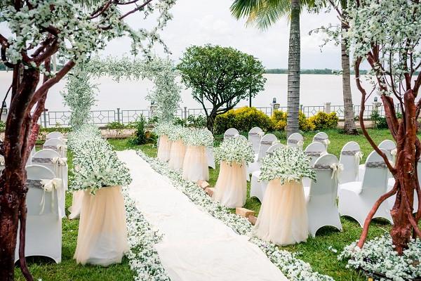 tiệc cưới ngoài trời - Metropole